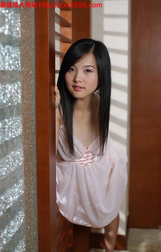 国模zip_很精致的美女国模湘湘.2008.08.16(D)完美露底小尺度私拍【96P/230M
